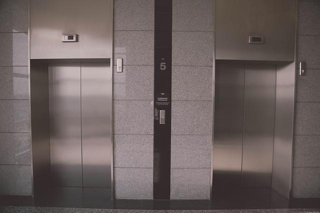 La limpieza de ascensores en las comunidades de vecinos